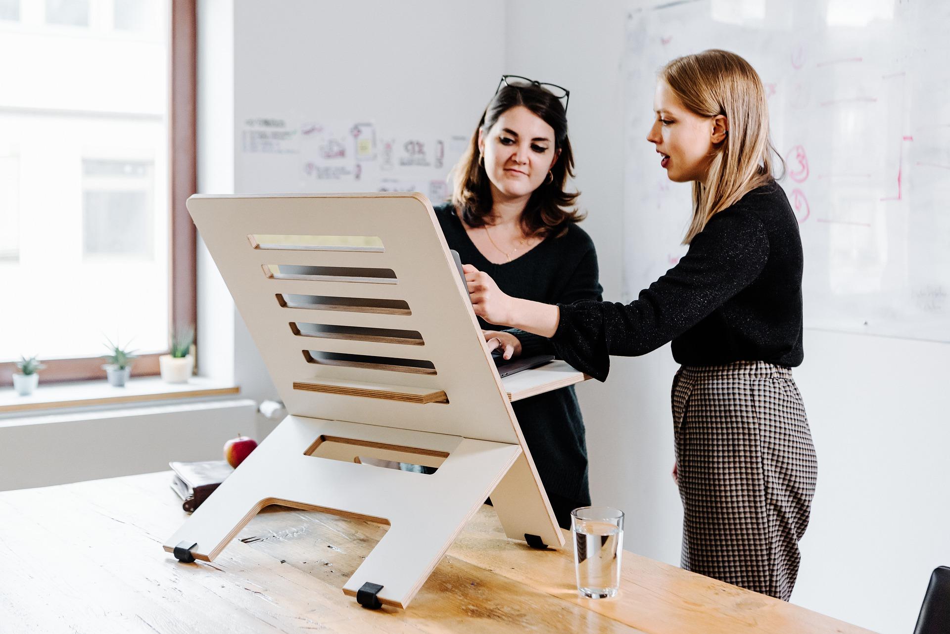 Ergonomic Benefits of Standing Desk